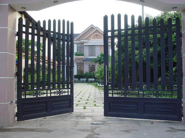kích thước lỗ ban cửa cổng hợp với phong thủy
